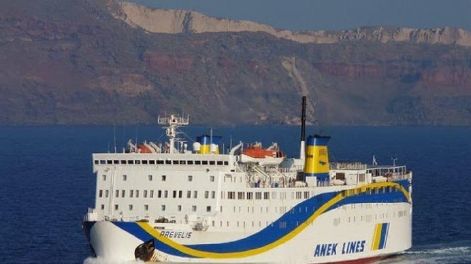 Πρόσκρουση του «Πρέβελης» στο λιμάνι της Σητείας – Ταλαιπωρία για τους επιβάτες