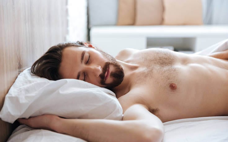 Ο μεσημεριανός ύπνος συνδέεται με μειωμένο κίνδυνο καρδιακής προσβολής και εγκεφαλικού