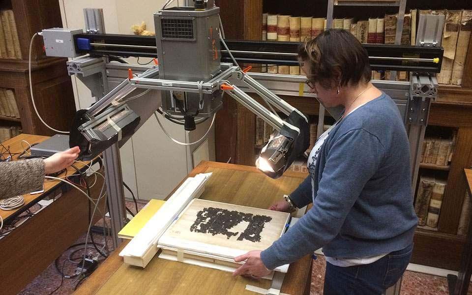 Επιστήμονες ανέγνωσαν το κρυμμένο αρχαιoελληνικό κείμενο σε πάπυρο του Ηρακλείου