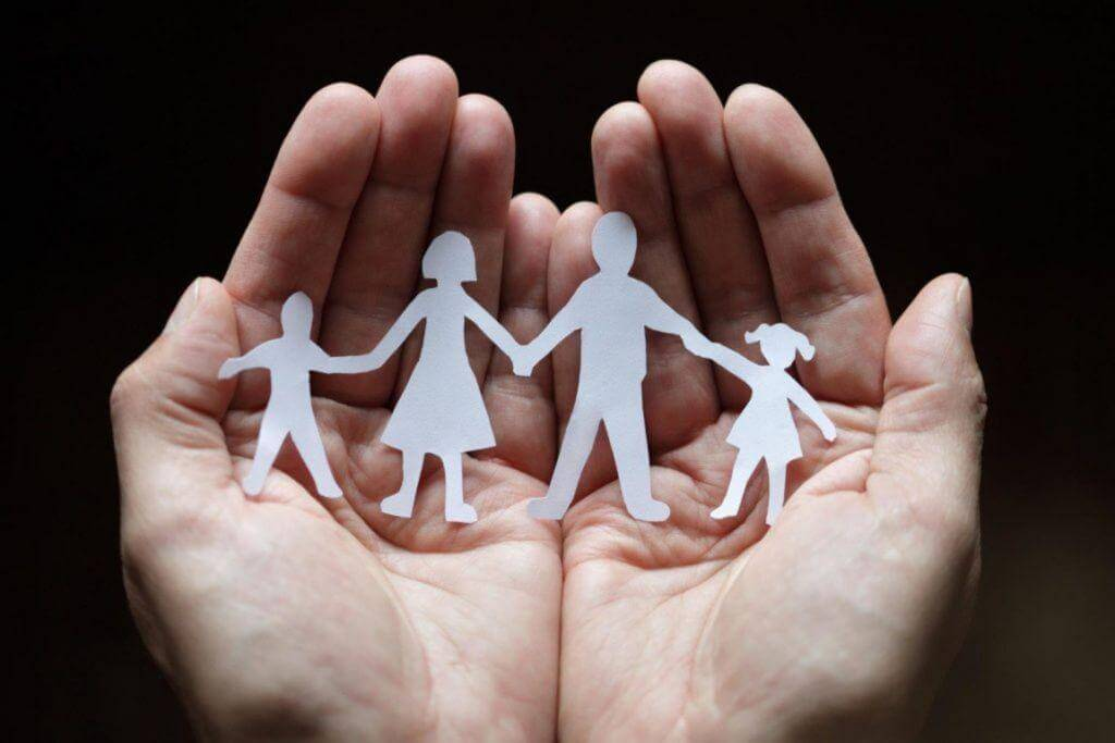 ΟΠΕΚΑ: 1.000 ευρώ επίδομα σε μητέρες – Ποιοι οι δικαιούχοι
