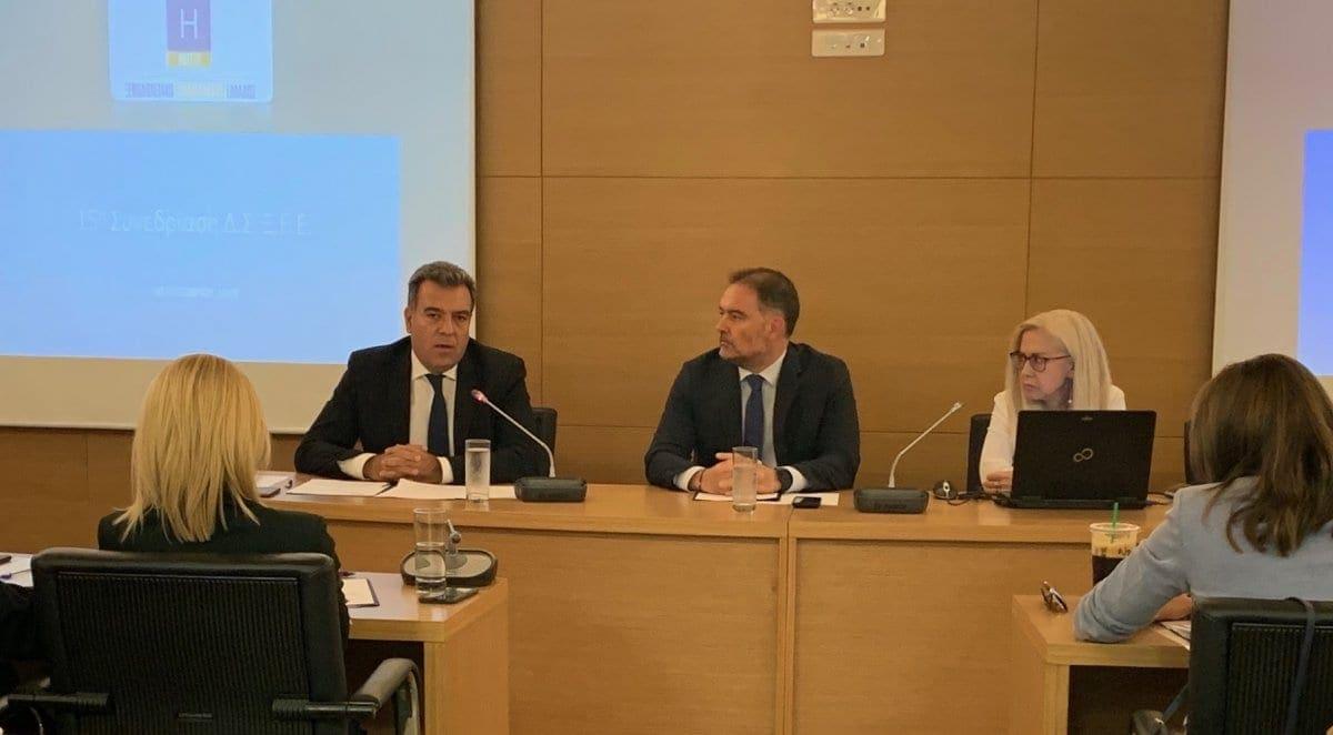 Συνάντηση και συνεργασία του Μάνου Κόνσολα με τη διοίκηση του ΞΕΕ