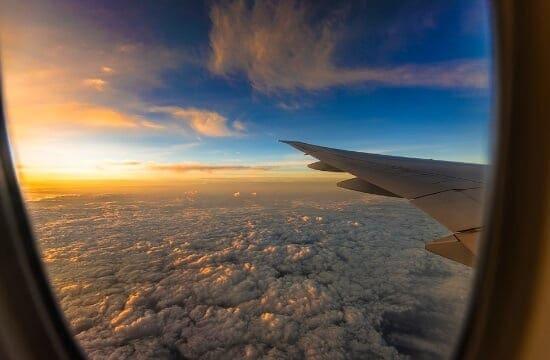 Έρευνα: Οι ταξιδιώτες μειώνουν τις πτήσεις για περιβαλλοντικούς λόγους