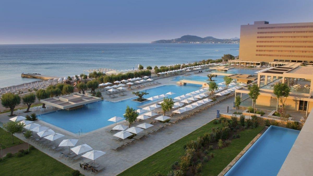 Mega deal στον τουριστικό κλάδο: Στον έλεγχο της Blackstone τα ξενοδοχεία του ομίλου Louis στην Ελλάδα