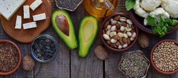 Πώς βοηθούν την υγεία της καρδιάς τα λιπαρά οξέα