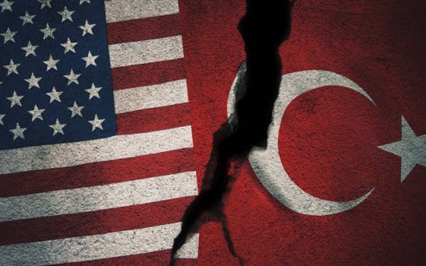 Ξεκίνησε η εφαρμογή των αμερικανικών κυρώσεων σε βάρος της Τουρκίας