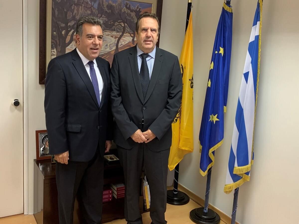 Συνάντηση του Υφυπουργού Τουρισμού Μάνου Κόνσολα με το Προεδρείο της Ελληνικής Συνομοσπονδίας Εμπορίου και Επιχειρηματικότητας
