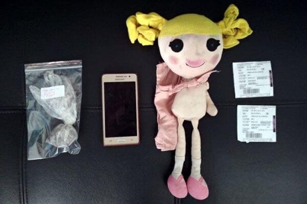 Έκρυψαν την ηρωίνη μέσα στην παιδική κούκλα