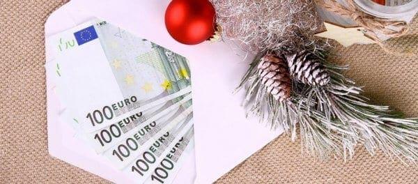 Δώρο Χριστουγέννων: Δείτε ποιοι είναι οι δικαιούχοι και πότε καταβάλλεται