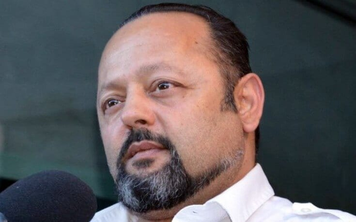 Στο εδώλιο ο Αρτέμης Σώρρας – Κατηγορείται για απάτη, σύσταση εγκληματικής οργάνωση και ξέπλυμα μαύρου χρήματος