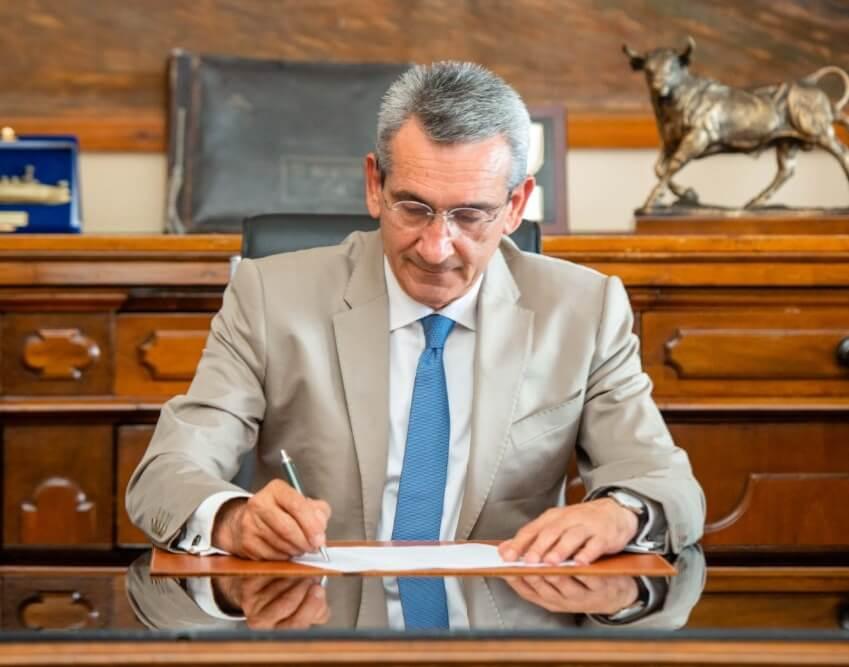 Αναβάθμιση εργαστηριακού εξοπλισμού σχολικών μονάδων επαγγελματικής εκπαίδευσης στα μικρά νησιά, με ευρωπαϊκούς πόρους της Περιφέρειας