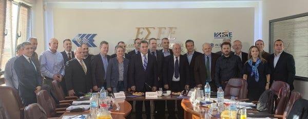 O υφυπουργός Τουρισμού κ. Μάνος Κόνσολας στη συνεδρίαση του ΔΣ της ΕΣΕΕ