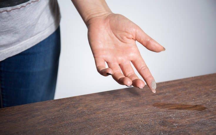 Νέος κίνδυνος για την υγεία ανακαλύφθηκε στην οικιακή σκόνη