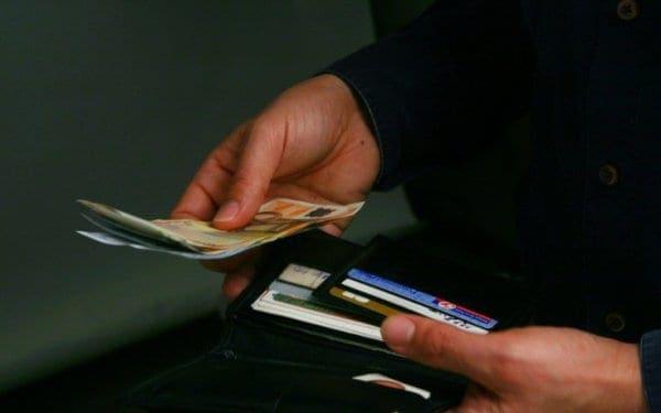 Φορολογικές υποχρεώσεις: Πότε χορηγείται 4μηνη παράταση και πότε δίνεται έκπτωση φόρου 25%