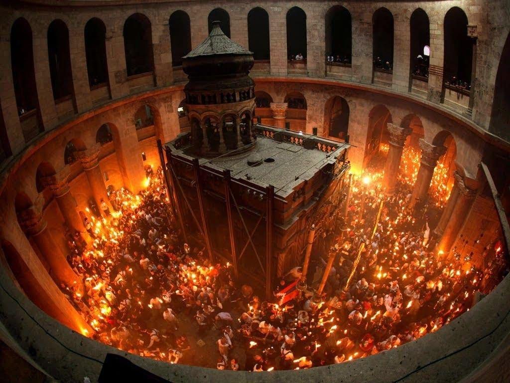 Κανονικά το Αγιο Φως στην Ελλάδα