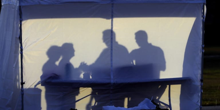 Reuters: Ο κορωνοϊός είναι απίθανο να εξαφανιστεί το καλοκαίρι -Η εκτίμηση του Ευρωπαϊκού Κέντρου Πρόληψης Νόσων