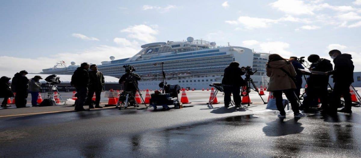 Το πλοίο από την Ανκόνα γεμάτο Έλληνες φτάνει στην Πάτρα – Τα ταξί αρνούνται να τους παραλάβουν