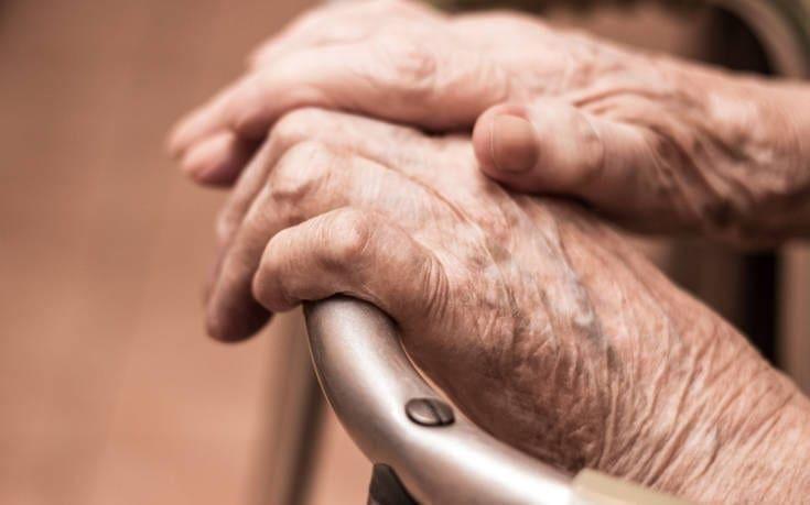 Θαρραλέα 95χρονη στην Ελβετία, νίκησε τον κορονοϊό και επέστρεψε στο σπίτι της