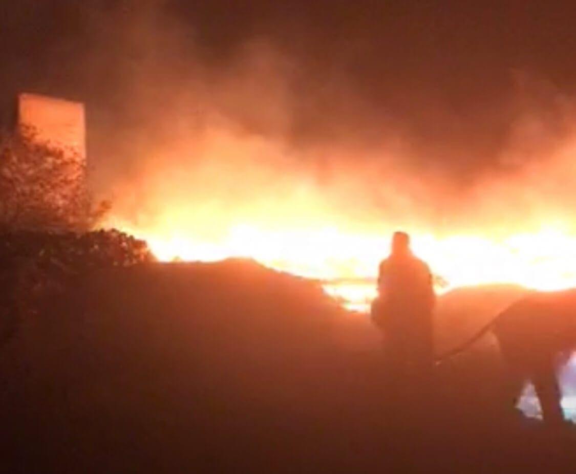 Επικίνδυνη φωτιά ξέσπασε τα μεσάνυχτα στην Παστίδα