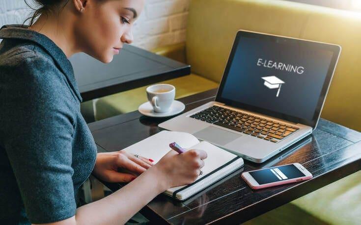 Διακόσιες θέσεις δωρεάν για τα προγράμματα e-learning προσφέρει το ΕΚΠΑ