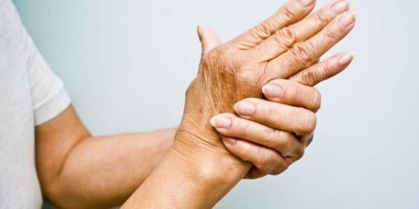 Ρευματοειδής αρθρίτιδα: Αυτά είναι τα δώδεκα πρώιμα συμπτώματα