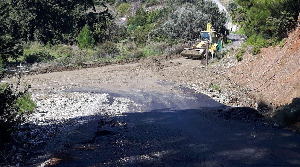 Aποκατάσταση βατότητας αγροτικής οδοποιίας της Δ.Ε. Nότιας Ρόδου