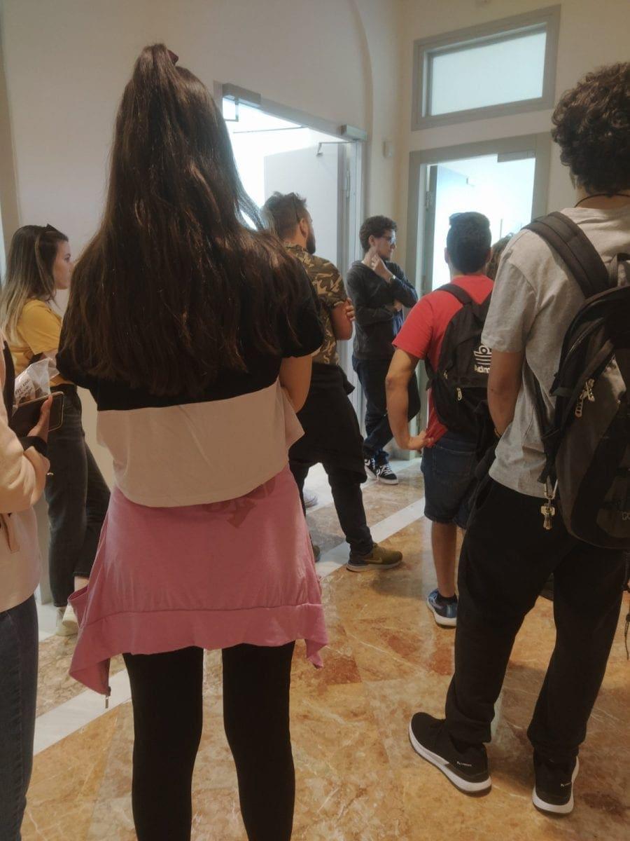 Οι φοιτητές κινητοποιήθηκαν απαιτώντας να είναι οι εστίες ανοιχτές στους φοιτητές