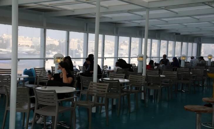 Σαλπάρουν ξανά τα πλοία για τα νησιά: Τα μέτρα προστασίας – Τι πρέπει να κάνουν οι επιβάτες