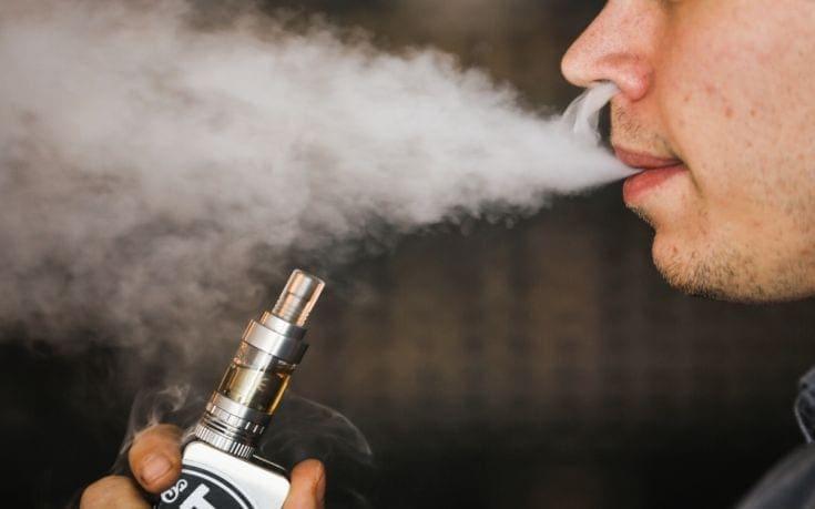 Το ηλεκτρονικό τσιγάρο αυξάνει τον κίνδυνο περιοδοντίτιδας