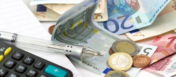 Οι φόροι που καλούνται να πληρώσουν μισθωτοί, αυτοαπασχολούμενοι και ιδιοκτήτες ακινήτων