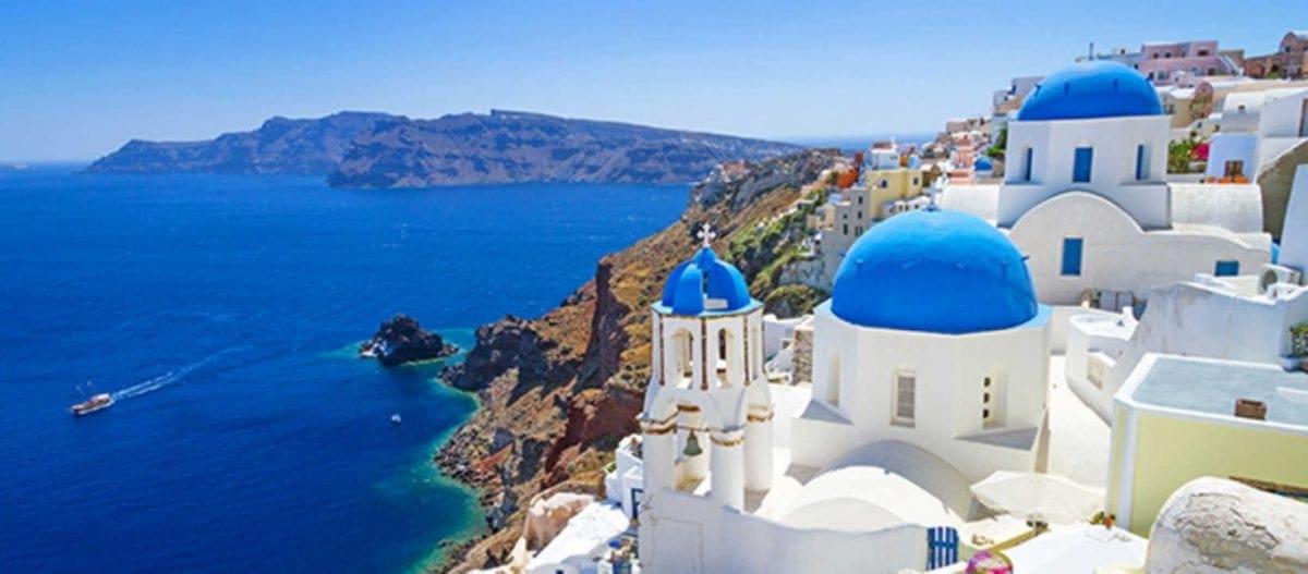 BBC: «Η Ελλάδα ανοίγει ξανά τα νησιά της για τους ταξιδιώτες της»