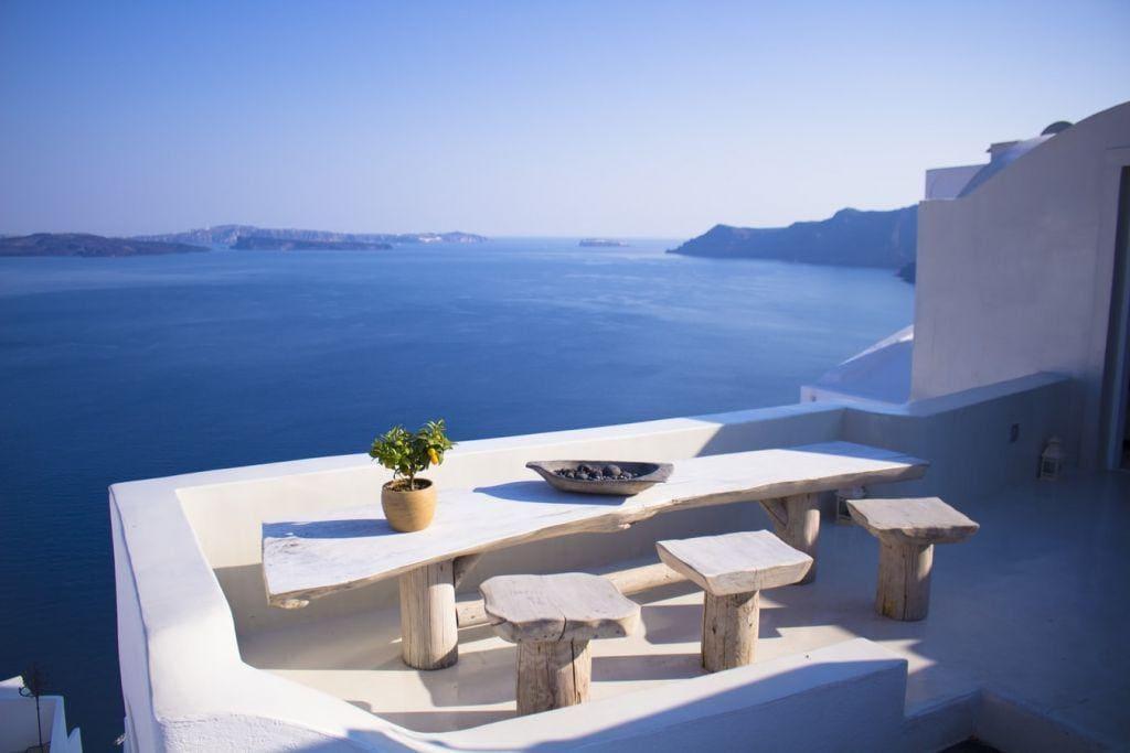 Τουρισμός: Οι ζώνες κινδύνου – Σε ποιες χώρες η Ελλάδα ρίχνει «άκυρο»
