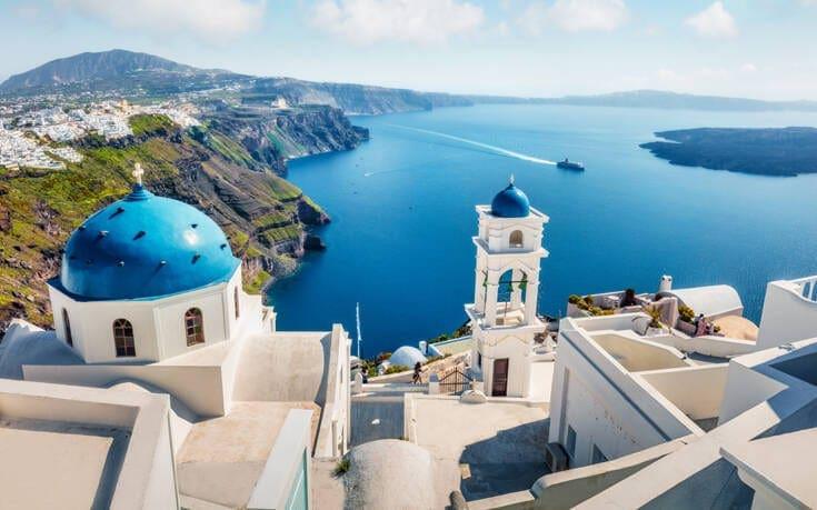 Έρευνα: 4 στους 10 Έλληνες θα πάνε φέτος διακοπές