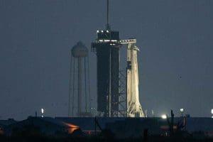 SpaceΧ: Εκτοξεύθηκε η επανδρωμένη αποστολή προς τον Διεθνή Διαστημικό Σταθμό – Δείτε Live την πορεία της κάψουλας