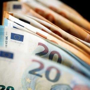 Επίδομα 800 ευρώ: Νέα πληρωμή σε 7.835 δικαιούχους