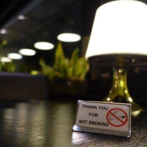 Καπνιστές και καταστηματάρχες έχασαν ακόμη μια προσφυγή στο ΣτΕ