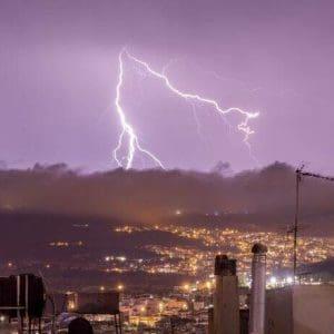 Κακοκαιρία Ιανός: Επιδείνωση του καιρού στην Ανατολική ηπειρωτική Ελλάδα – Έντονες βροχές στην Αττική το βράδυ