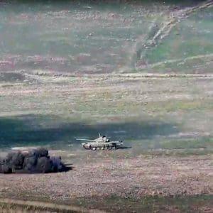 Σε επιστράτευση η Αρμενία – Μετράνε απώλειες οι Αζέροι (βίντεο)