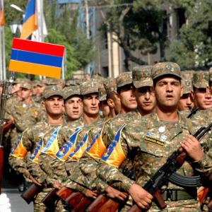Το Αζερμπαϊτζάν επιτέθηκε στο Ναγκόρνο Καραμπάχ – Αντεπίθεση της Αρμενίας