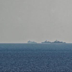 Ρόδος: Φωτογραφίες απο το Oruc Reis και πολεμικά πλοία έξω απο την Καλλιθέα