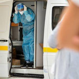Κορονοϊός: 882 κρούσματα σήμερα – 15 νέοι θάνατοι