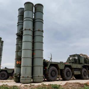 Reuters: Η Τουρκία εκτόξευσε πύραυλο σε μια περιοχή που είχε «καθαρίσει» για δοκιμές S-400