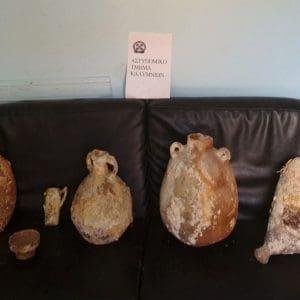 Συνελήφθη ημεδαπή για κατοχή αρχαιοτήτων στην Κάλυμνο – Κατασχέθηκαν 6 αρχαία πήλινα αντικείμενα