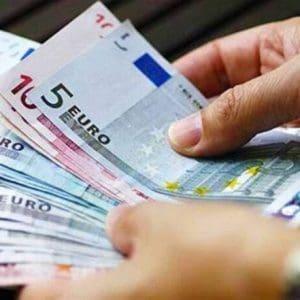 Επιστρεπτέα προκαταβολή 3 : 7.315 επιχειρήσεις μοιράζονται 303,9 εκατ. ευρώ
