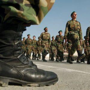 Αυξάνεται η θητεία στο στρατό!